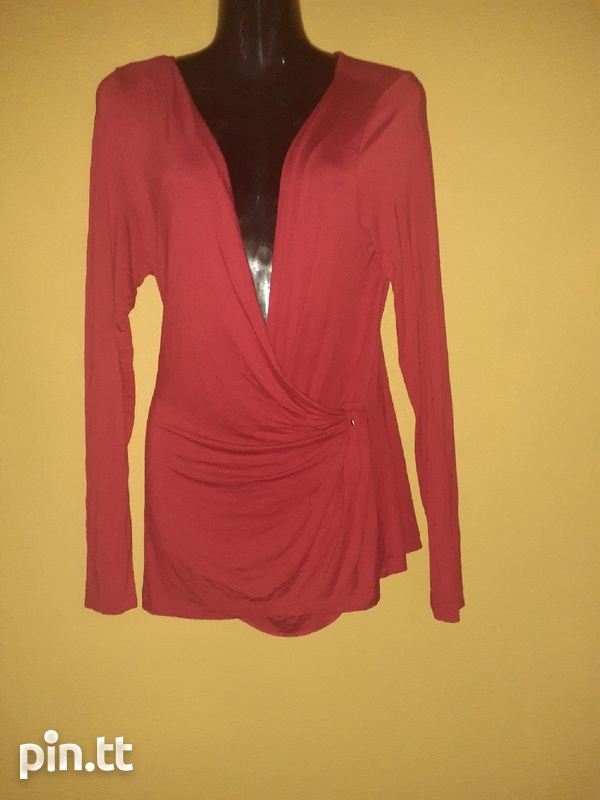 Used women's dresses and tops-2