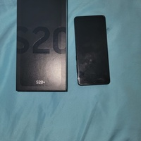 Phone in good condition comes with case