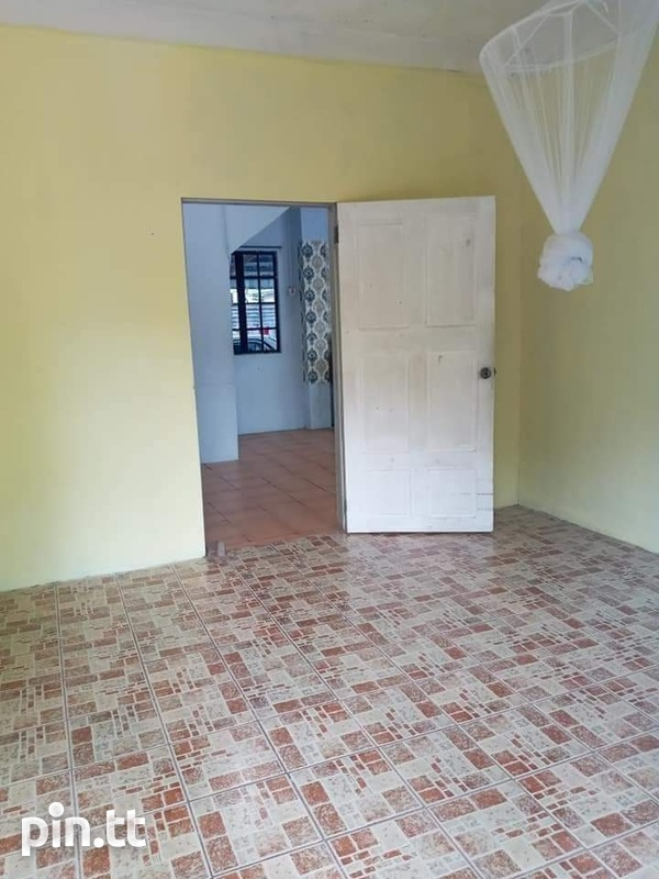 Affordable 2 Bedroom Apartment Carapo-4