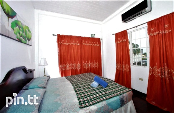 1&2 BEDROOM FULLY FURNISHED APARTMENTS WITH ALL UTLITIES INCLUDED, ST JAMES-13