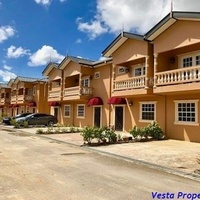 Lovely 3 Bedroom Townhouse Piarco