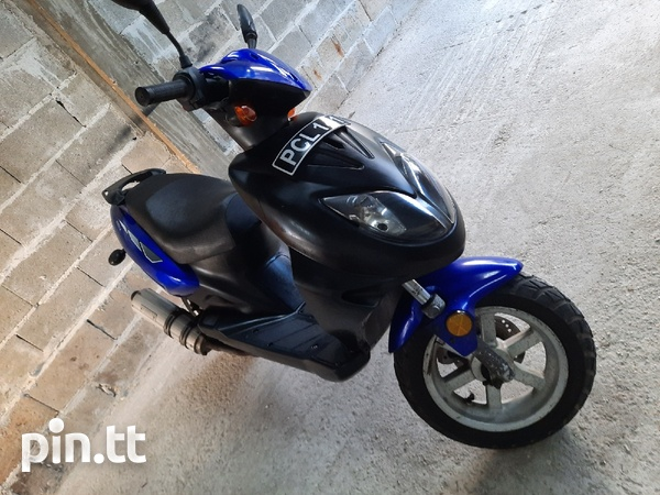 GY6 150cc scooter-1