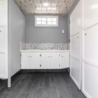 Refurbished 20 Feet Container with Washroom and Shower