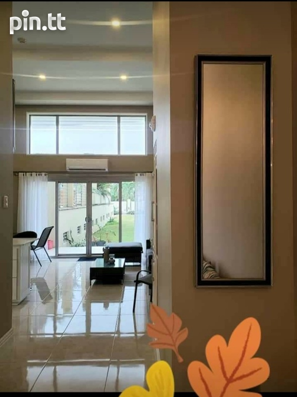 One Woodbrook Place. 2 Master Bedroom. Executive Apartment.-1